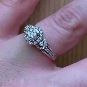 Zales 10k white gold engagement ring